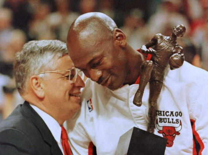 Magic, Jordan among NBA stars 'devastated' by Stern's death