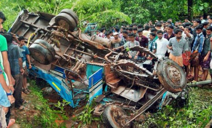 6 killed, 12 injured as bus falls into gorge in Indian-controlled Kashmir