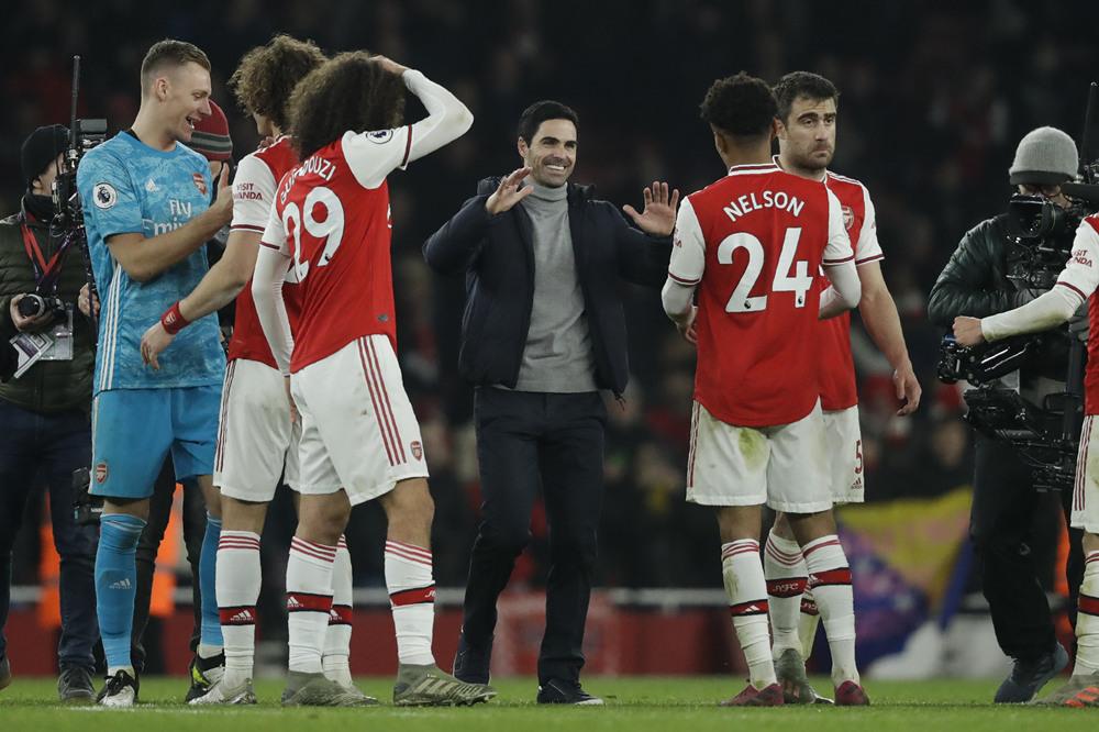Arsenal blow away Man Utd to hand Arteta first win