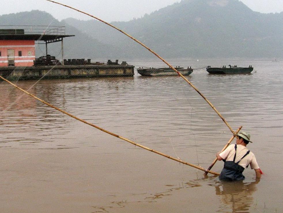 China starts 10-year fishing ban on Yangtze River