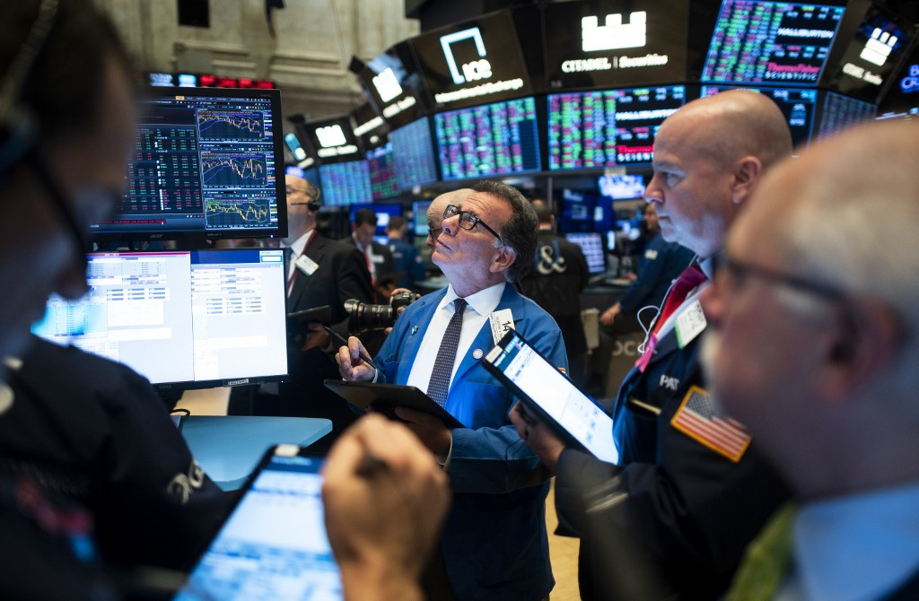 US stocks open lower amid geopolitical concerns