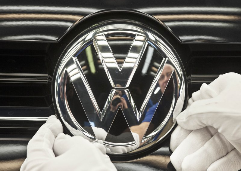 Volkswagen, German consumer group in diesel settlement talks