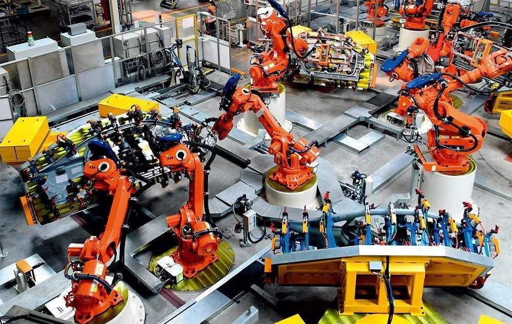 China to maintain manufacturing growth, upgrade service outsourcing