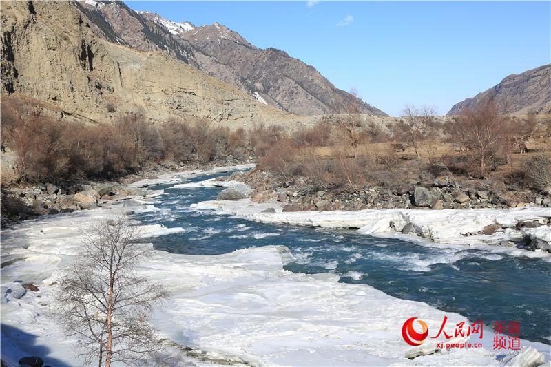 Snow turns Zhaosu Grassland into breathtaking scene