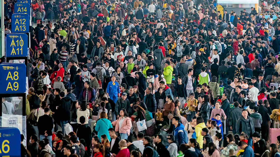 Over 300 mln train tickets sold for Spring Festival travel rush