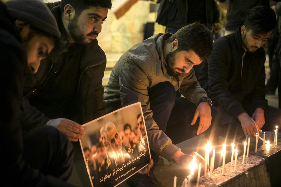 People mourn for top Iranian commander killed in US airstrike