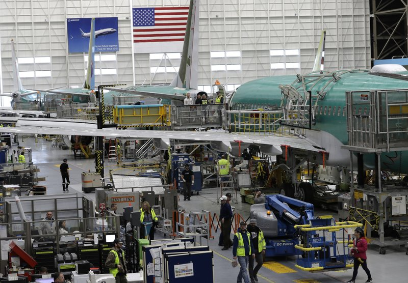 US manufacturing activity falls to lowest level in decade