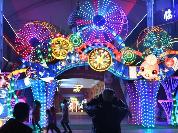 Light installation art festival held in E China's Shandong