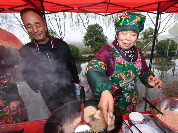 Various folk culture activities held to welcome Chinese Lunar New Year in E China's Zhejiang