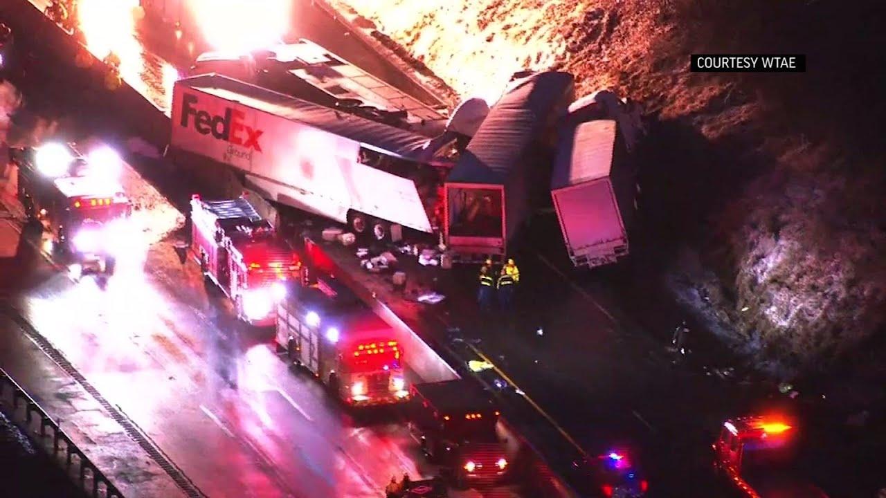 Severe crash on US highway kills 5