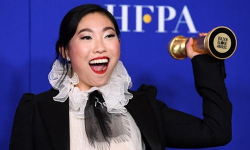 Chinese netizens hail Awkwafina for making history at the 2020 Golden Globes