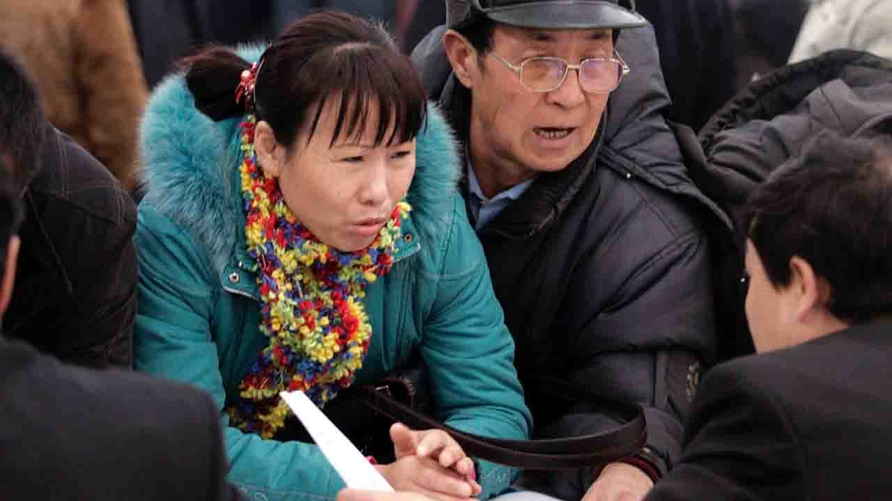 China releases regulation on guaranteeing wages for migrant workers