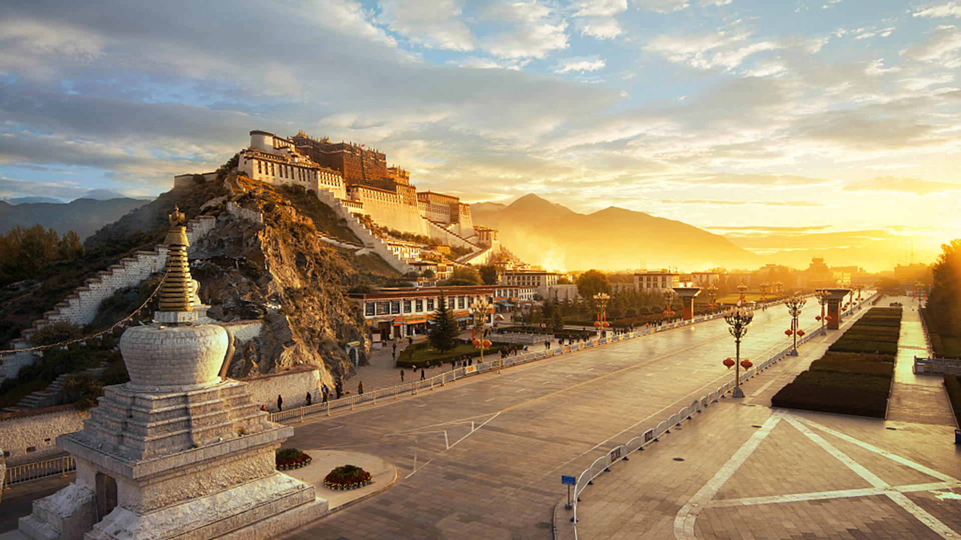 Tibet builds, upgrades 43,000 km of rural roads in 5 yrs