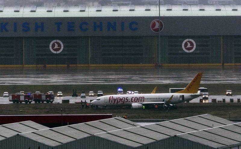 Plane skids off runway in Istanbul, flights suspended
