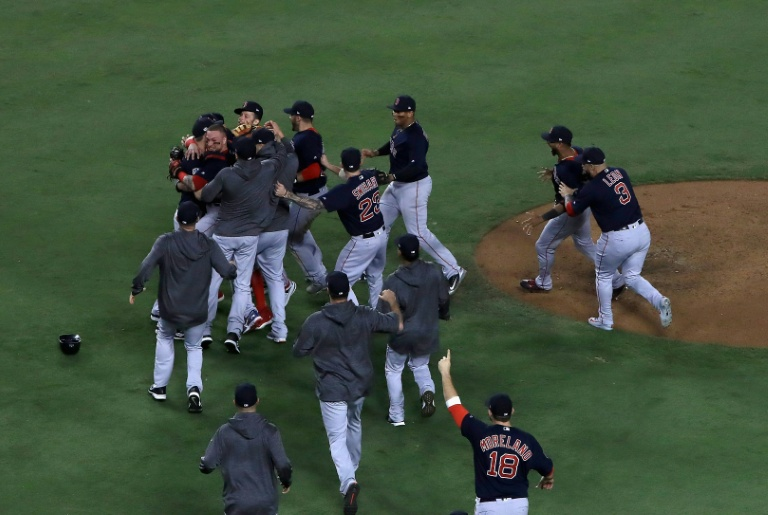 MLB probing Red Sox over sign-stealing report