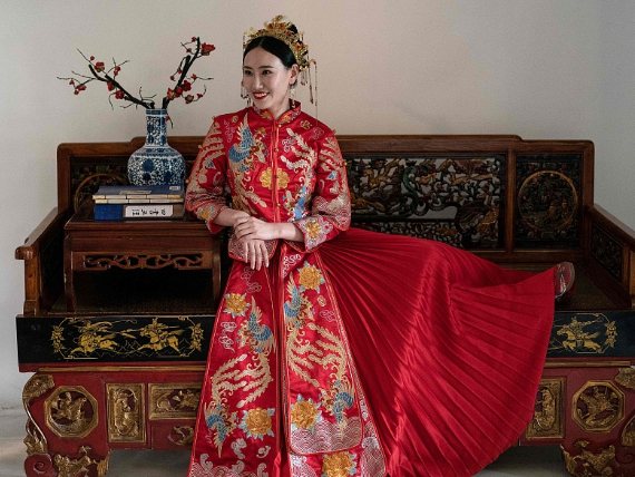 Across China: Traditional Chinese wedding back in vogue among young couples