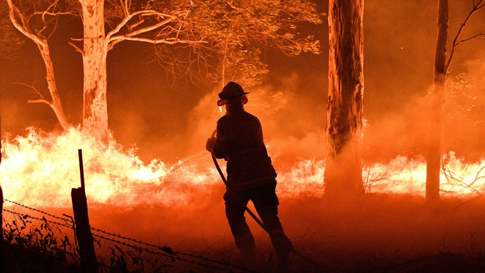 Australian bushfire death toll rises to 27: PM
