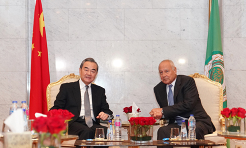 Chinese FM meets with Arab League chief