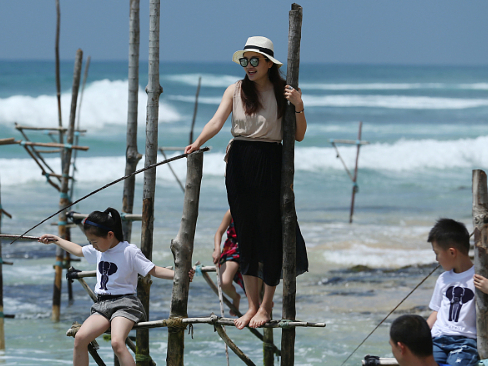 Sri Lanka says 2,500 acres available for investments in tourism