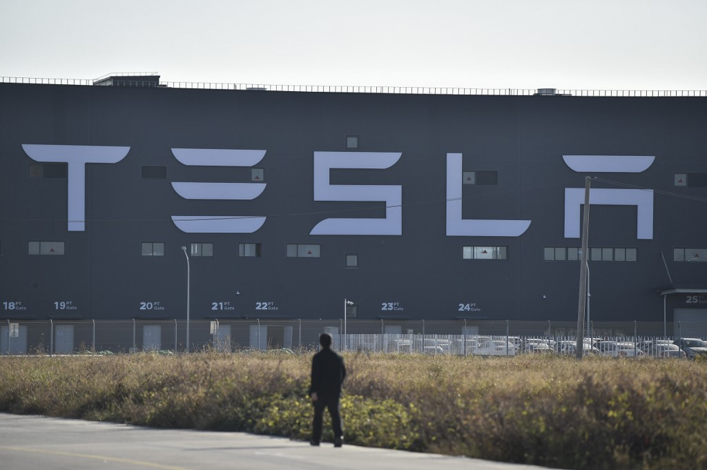 Way clear for Tesla to buy Berlin factory site