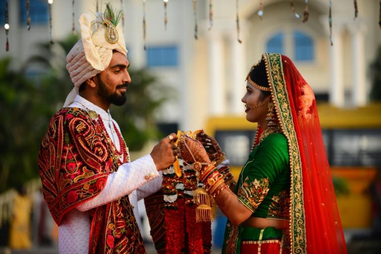 Big fat Indian wedding goes on a diet as slowdown bites