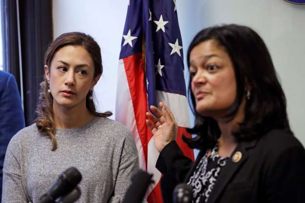 US DHS reviewing reports of Iranian-Americans delayed at border