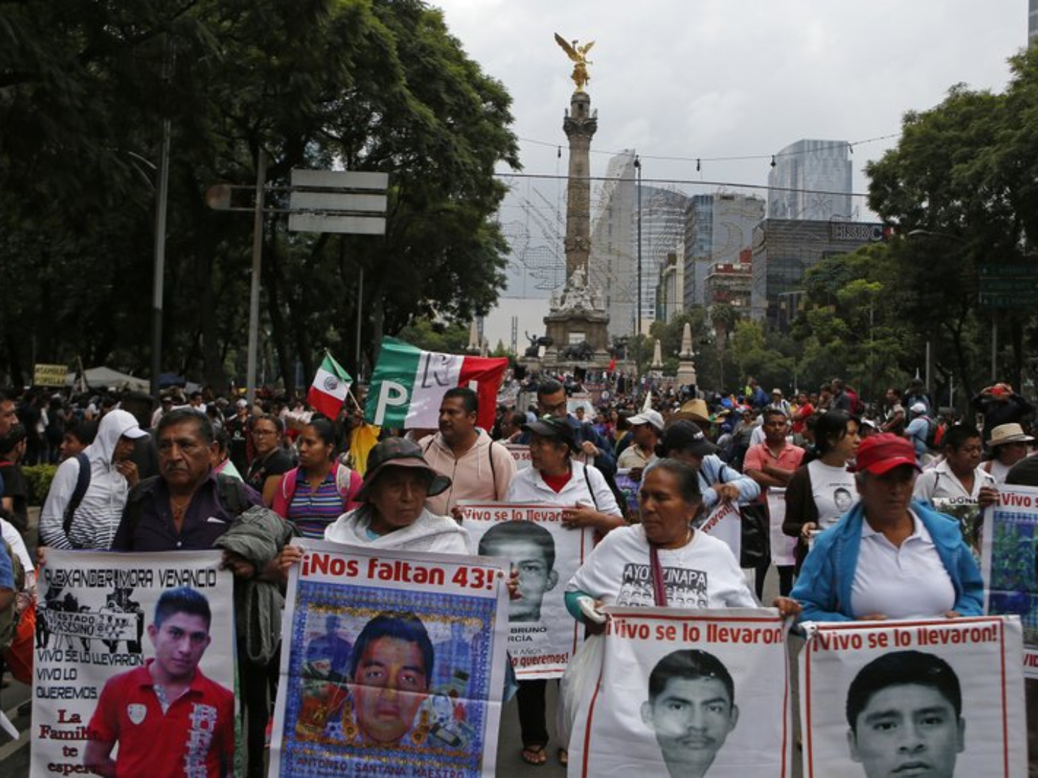 Investigators to reopen case of Mexico's 43 missing