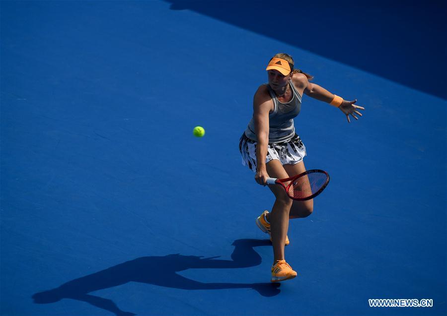 In pics: women's singles final match at WTA Shenzhen Open tennis tournament