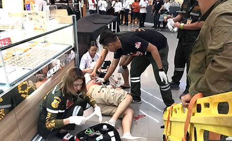 Robber kills 3 in shooting spree in central Thailand