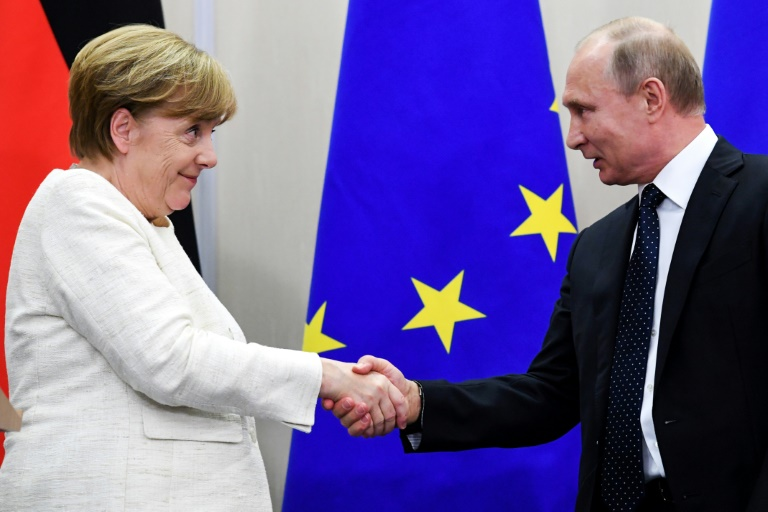 Merkel, Putin discuss Middle East flashpoints at Kremlin meeting