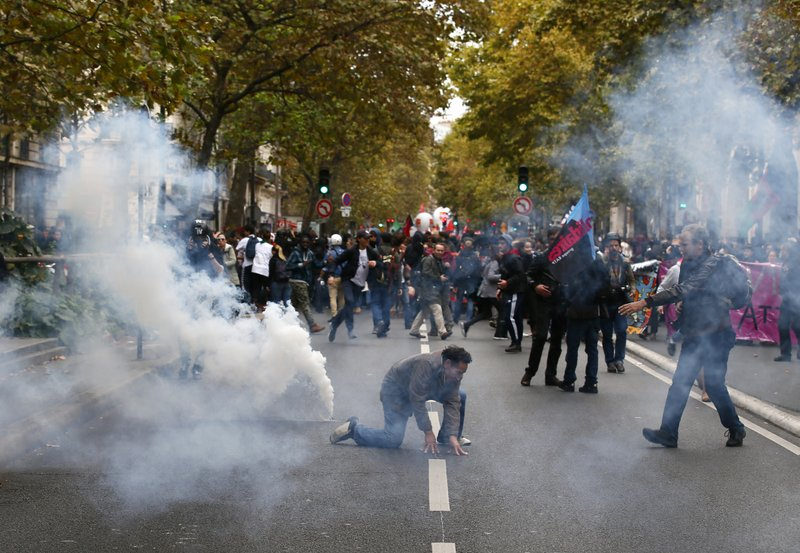 French unions call for fresh protests despite gov't concession