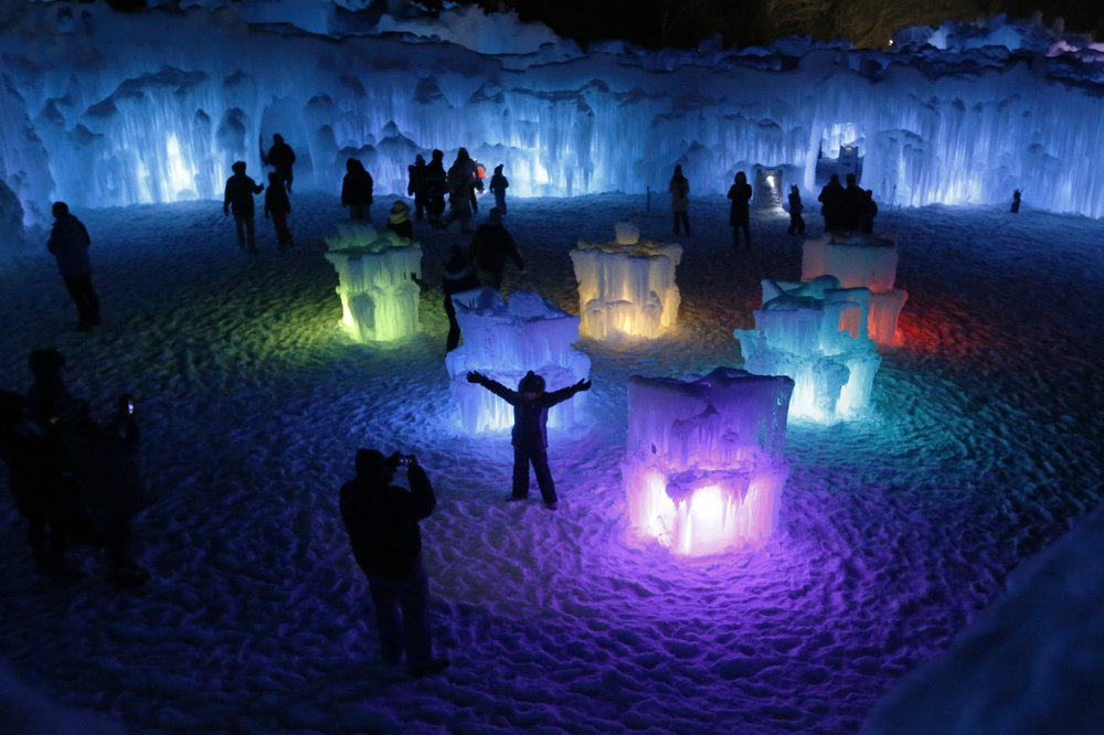 Ice Castles make their winter debut in Midway