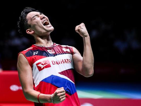 Badminton world number one Momota hurt, driver killed in Malaysia crash