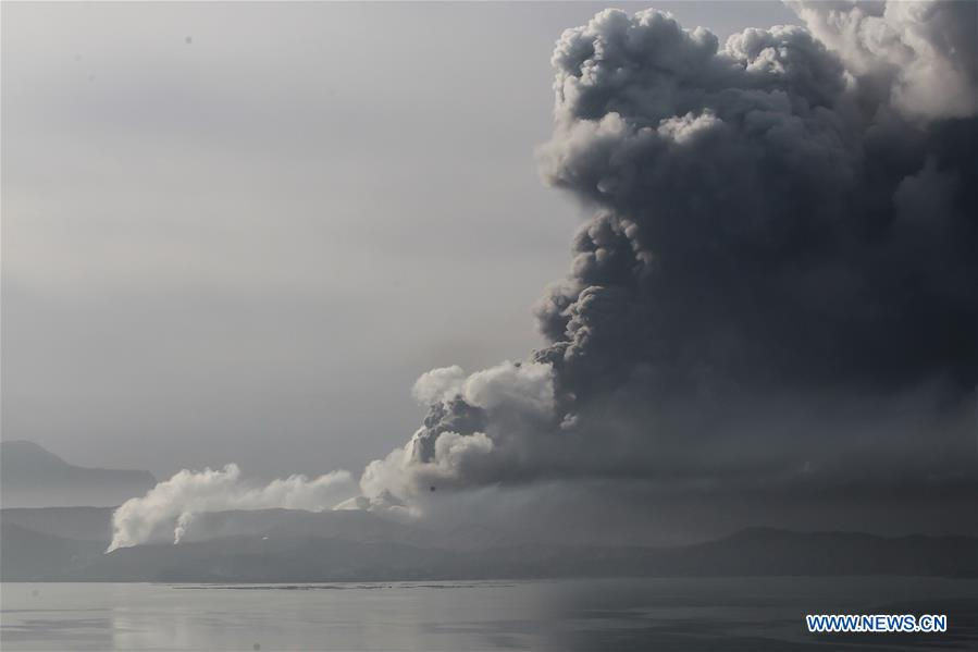 Thousands evacuated as Philippine volcano threatens big eruption