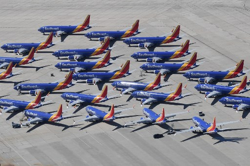 Boeing net orders slump to lowest in decades, more cancellations than new orders