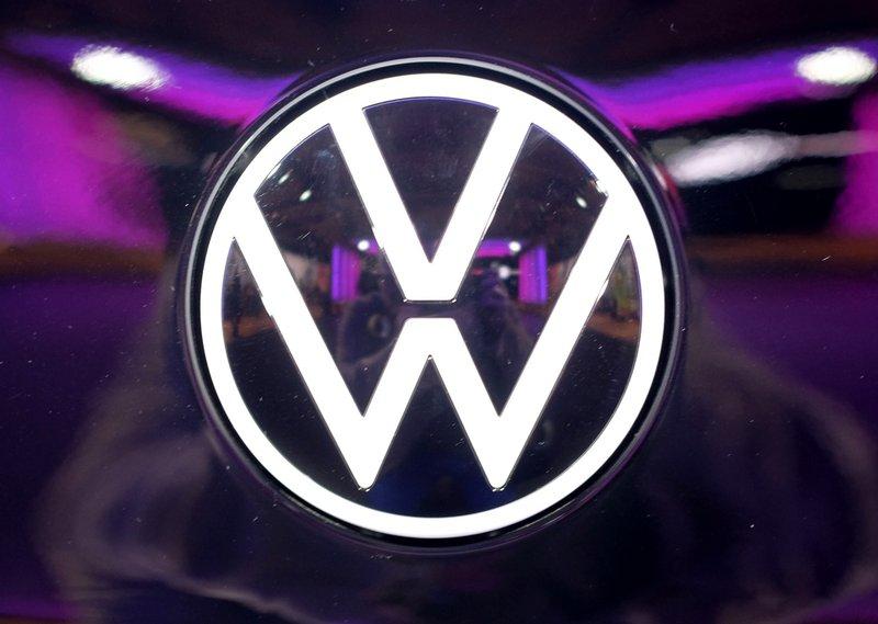 German prosecutors charge 6 more in VW emissions scandal