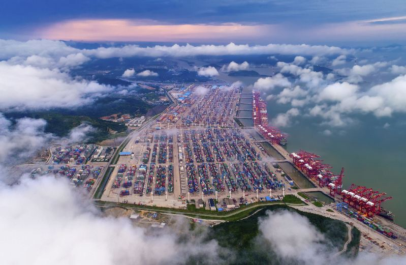 China's busiest port sees record throughput