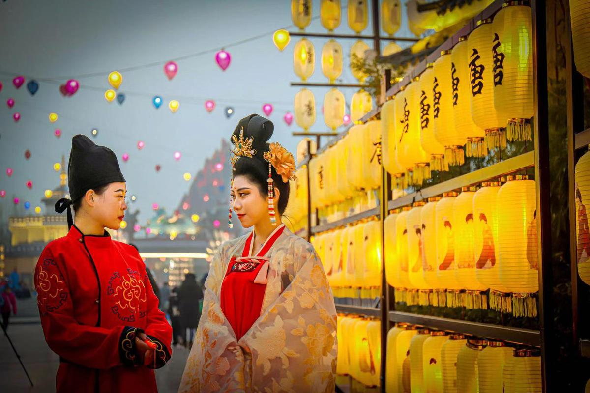 Lanterns shed light on Tang culture in Jinan