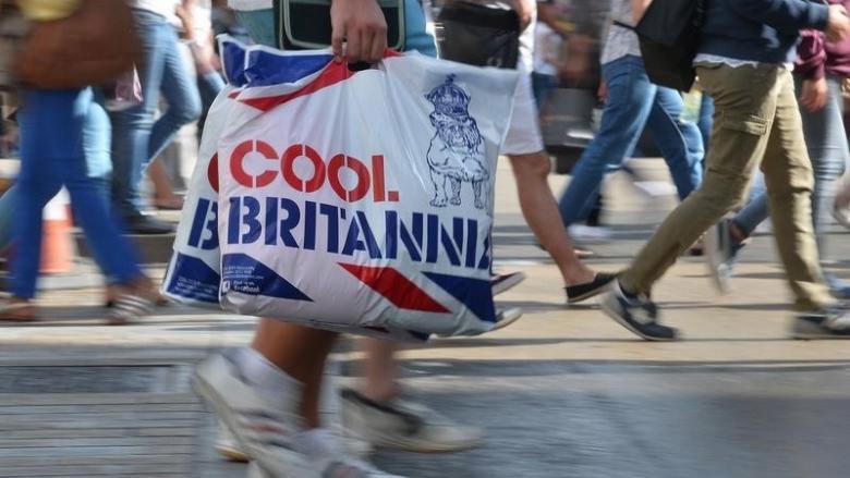 UK retail sales decline for 5 consecutive months