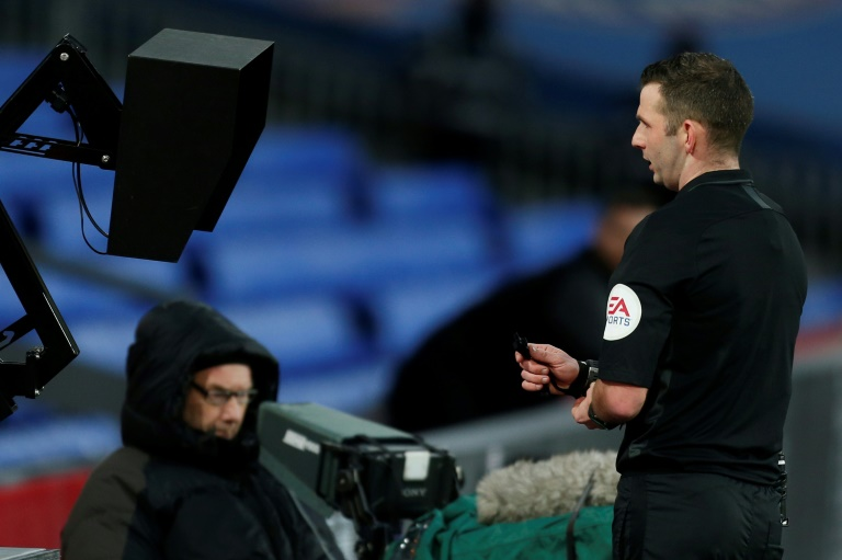 Premier League refs told to use monitors for red cards: reports