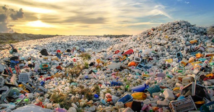 China tightens rules to control plastic pollution