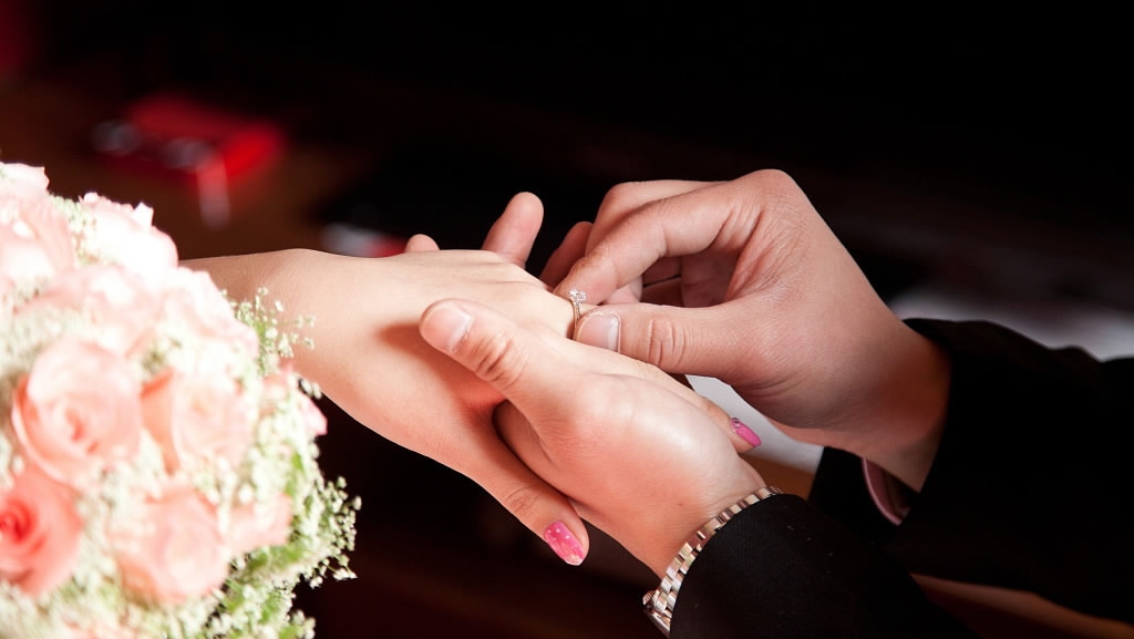 China sees over 9 mln marriages last year