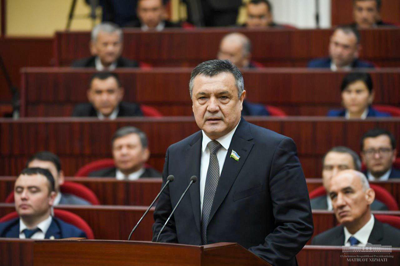 Uzbek new parliament re-elects veteran speaker
