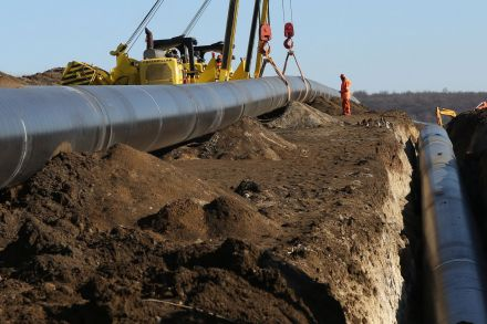 WH_Oil and gas _120210.jpg