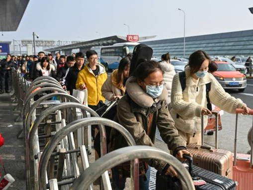 Wuhan tightens control of outbound travelers to curb virus spread