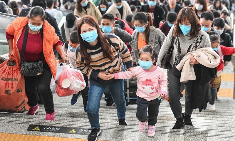 Virus attracts global efforts