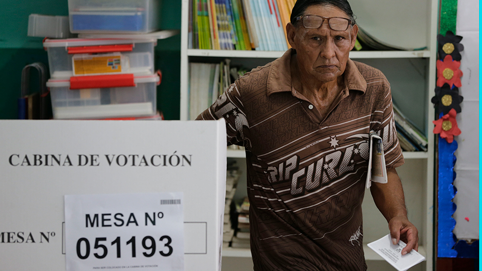 Peruvians vote for a new parliament