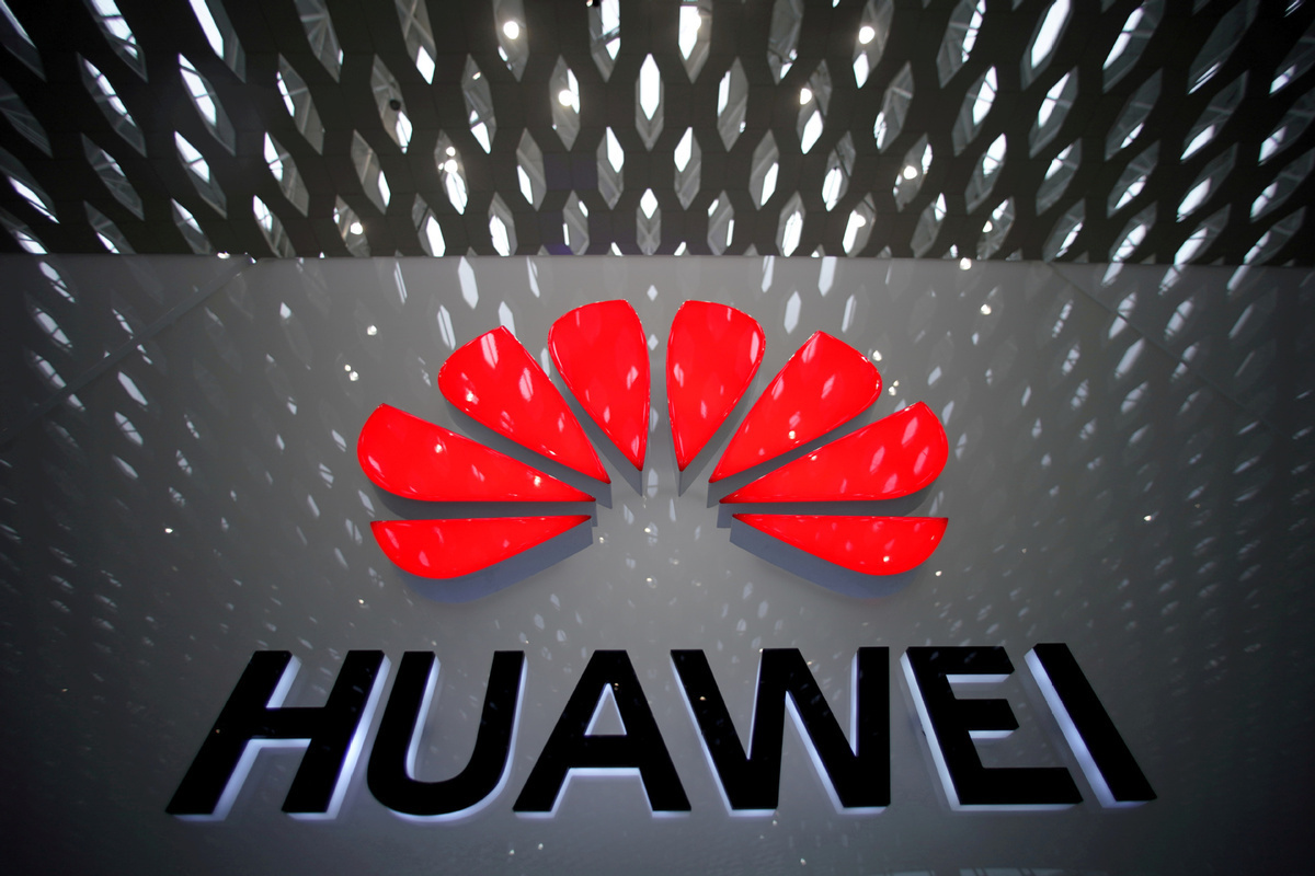 UK approves Huawei for helping build the country's 5G network