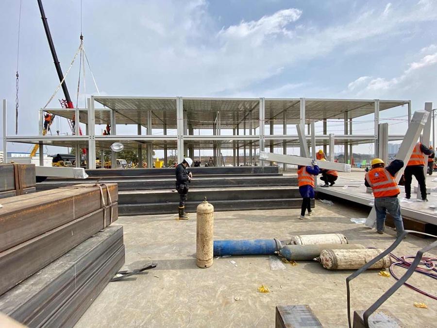 Work begins on mobile hospital in Wuhan