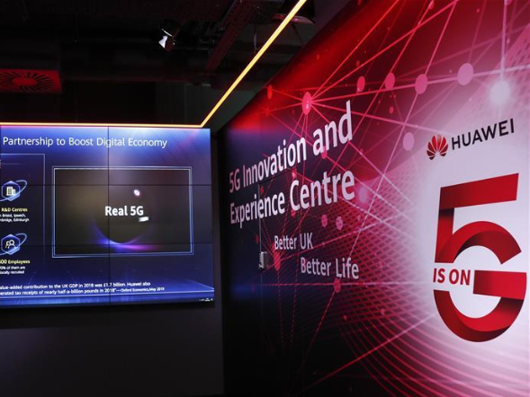 UK gives Huawei green light for 5G network